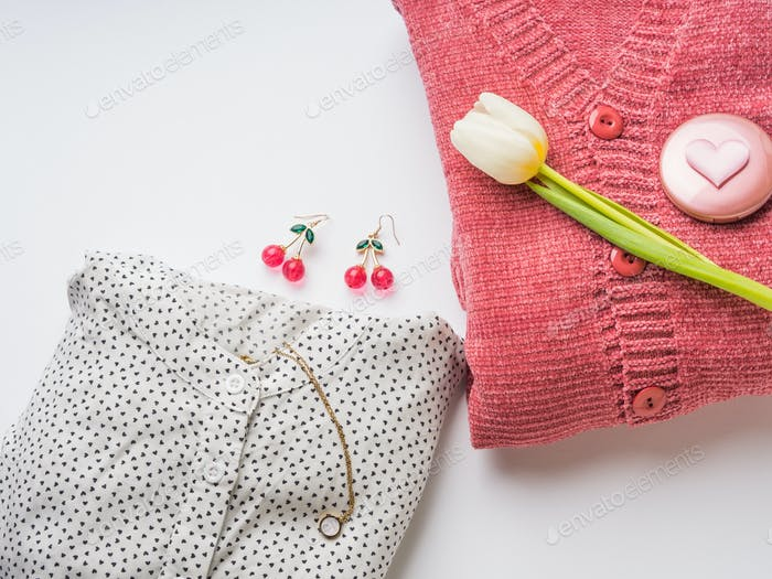 Coral woman's cardigan, blouse with tulip