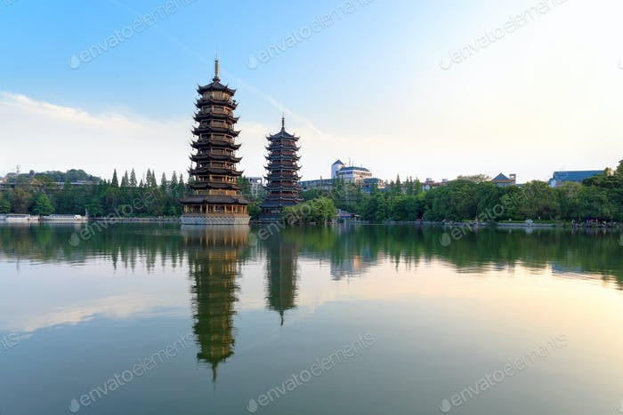 twin pagodas in banyan lake