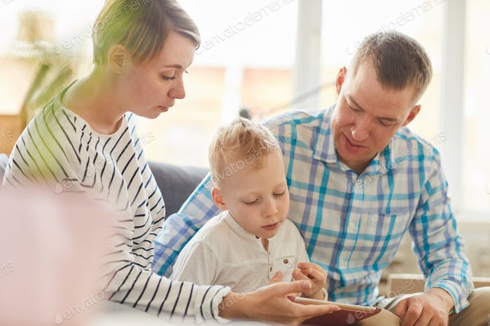 Using tablet for education with child