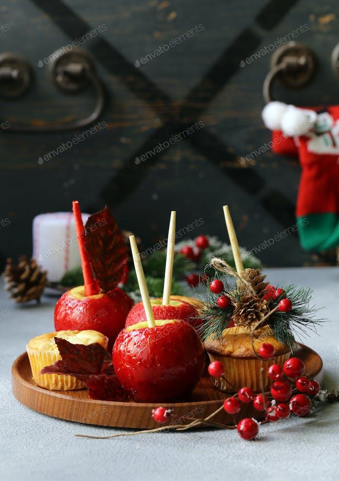 Äpfel in Rotem Karamell