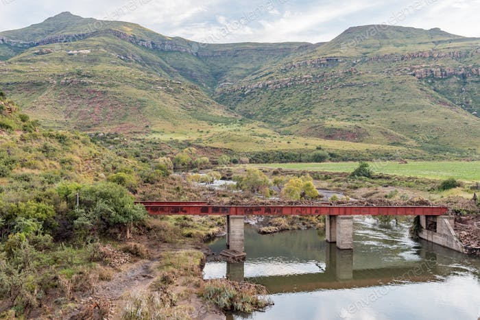 Railway bridge over Karnmelk River in the third railway reverse