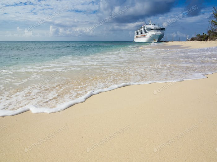 A cruise ship docks in the port of Grand Turk