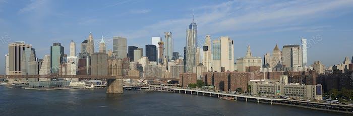 Puente de Brooklyn y la Ciudad de Novedad York