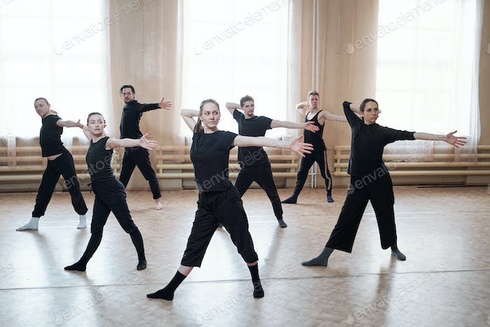 Contemporary Dancers Rehearsal