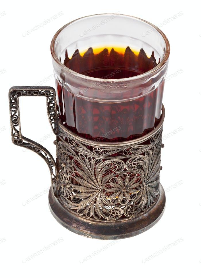 Tee im Vintage-Glas mit Glashalter