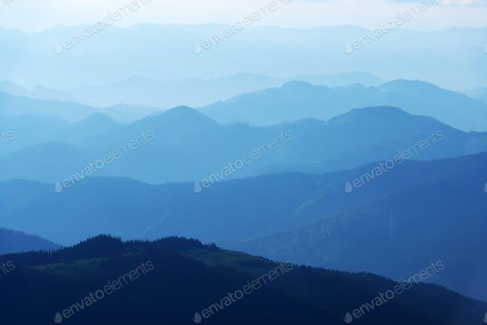 Beauty Blue Mountains in Karpaten