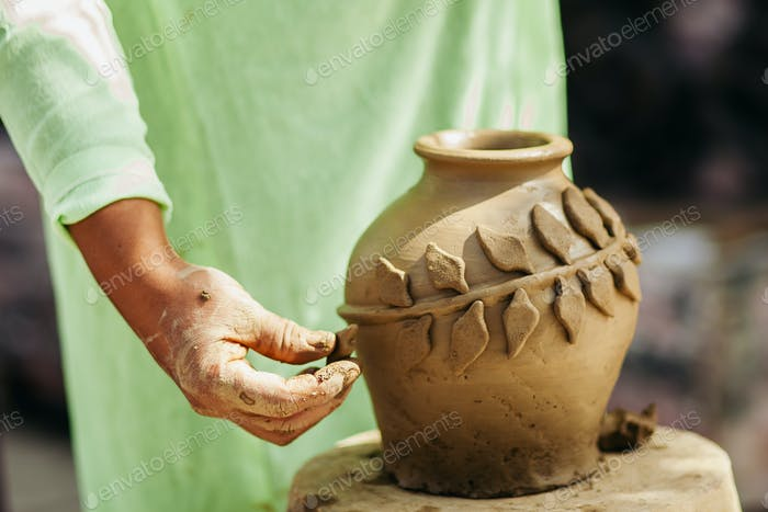 clay pot creation traditional vietnam