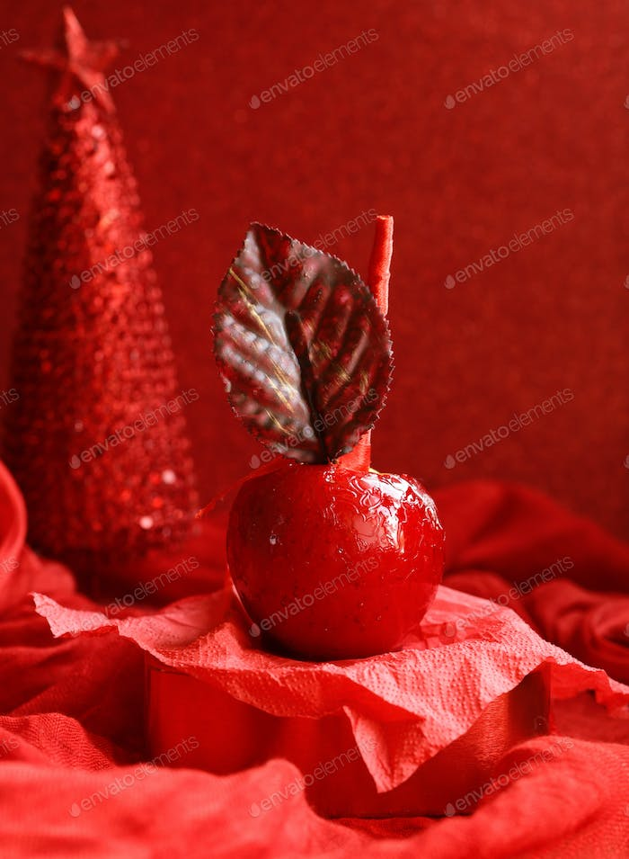 Apples in Red Caramel