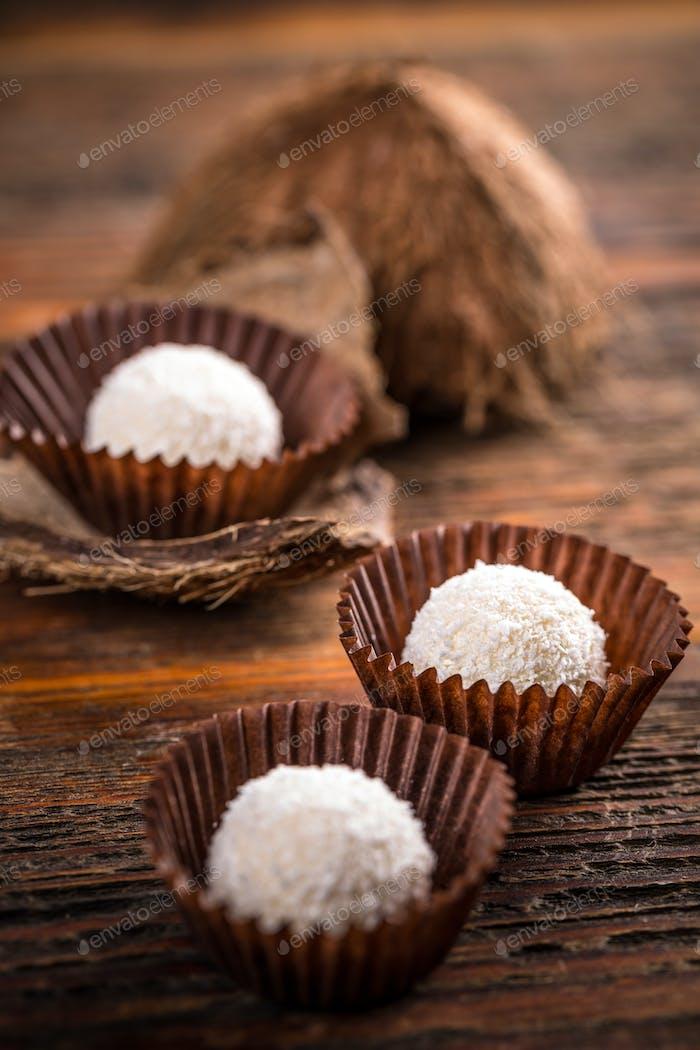 White chocolate coconut pralines