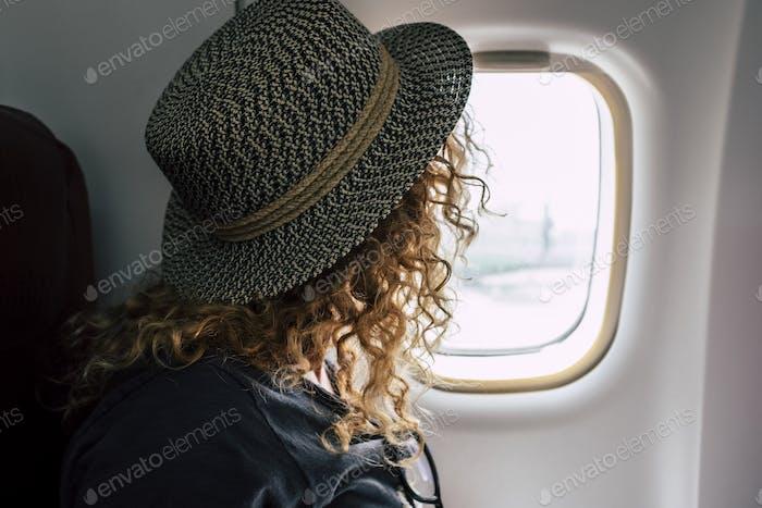 Frau Reisen mit dem Flugzeug Flug
