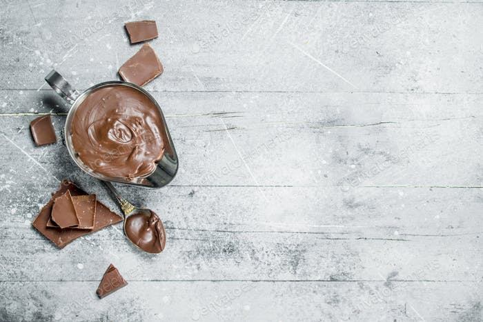 Chocolate paste in bowl.