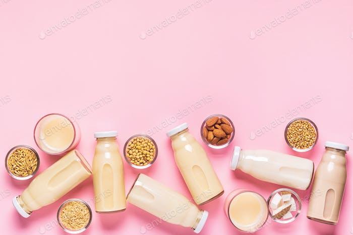 Eine Flasche mit alternativer Milch und Zutaten.