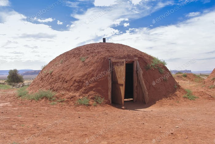 Außenansicht der Navajo Hütte