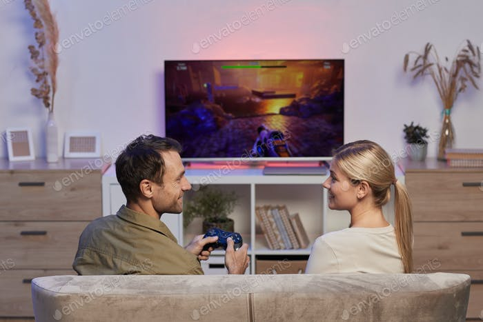 Playing computer game on TV