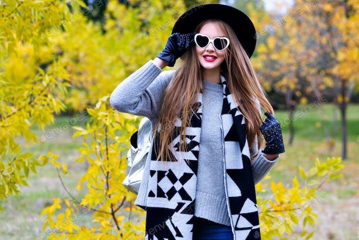 Autumn portrait of stylish woman.