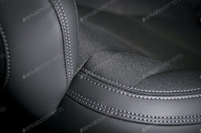 Autositze aus Leder und Textil