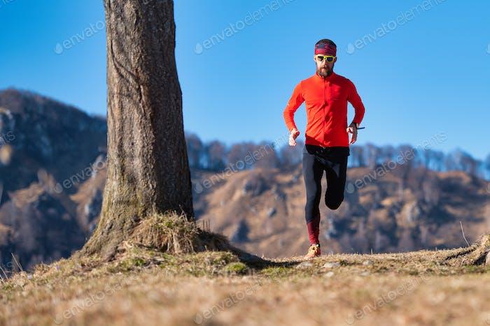 Junge Läufer Züge