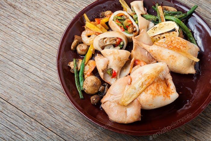 Tintenfisch Füllung mit Gemüse