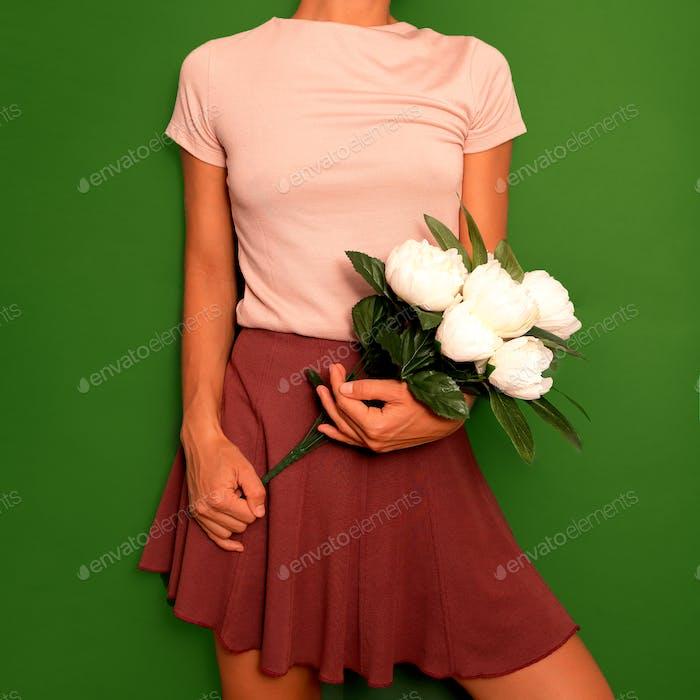 Niedliches Vintage-Outfit Damen Rock und T-Shirt
