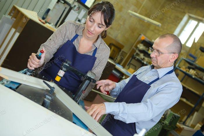 Metallurgie Arbeiter in der Werkstatt