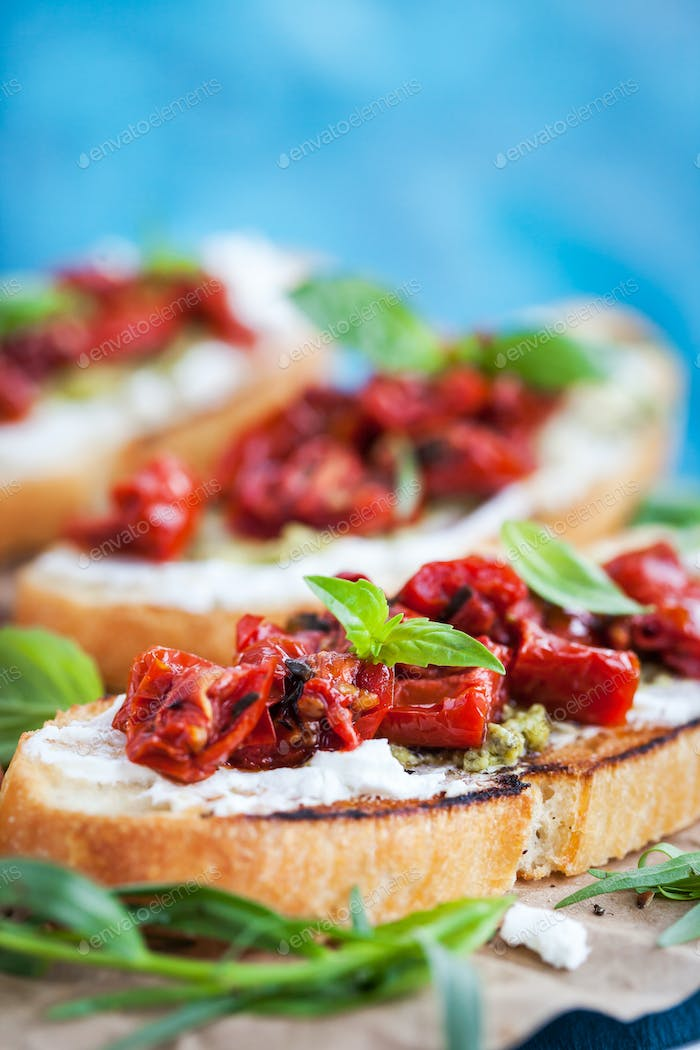Bruschetta with cream cheese and tomatoes