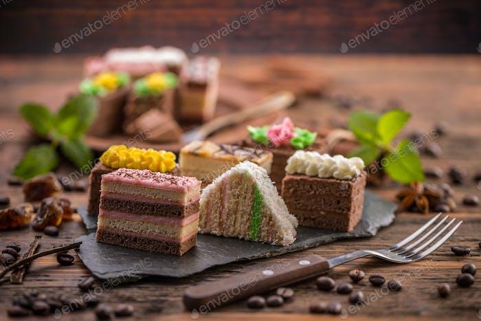 Decorative mini desserts