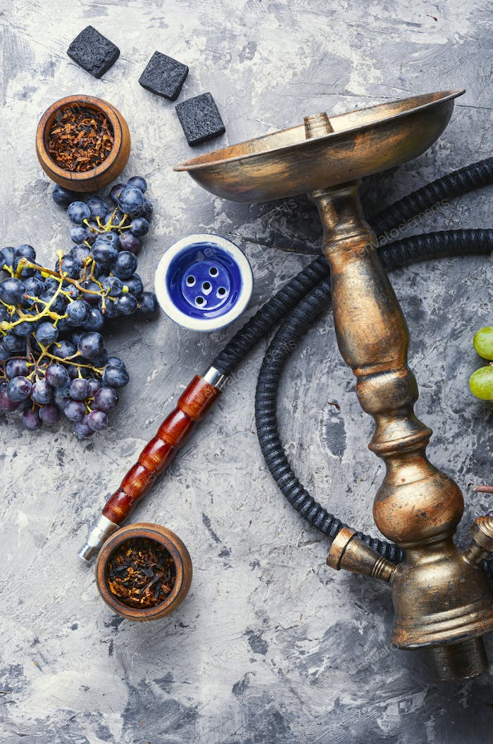 Hookah with grapes taste