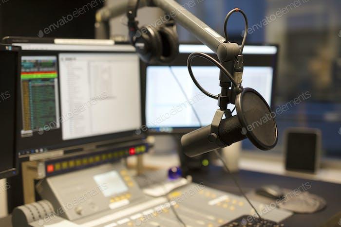 Mikrofon moderne Radiostation Rundfunkstudio