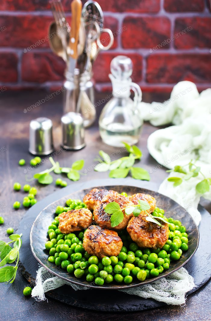 green peas with cutlets