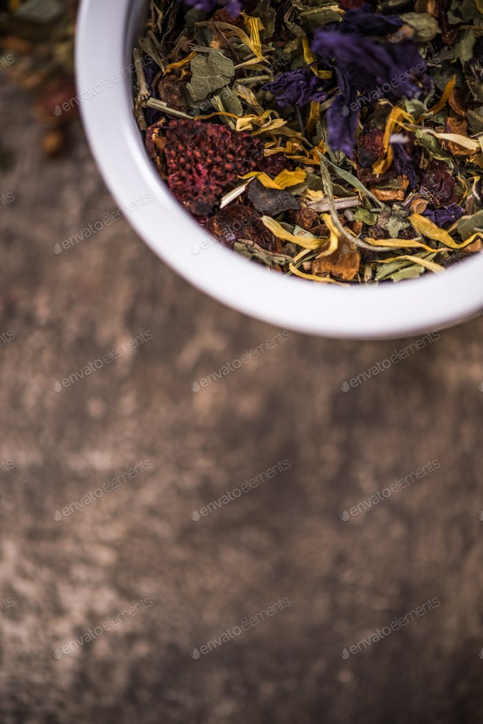 Tea and herbal aromatic ingedients