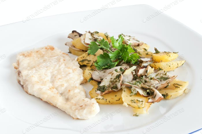chicken escalope with potatoes and mushroom