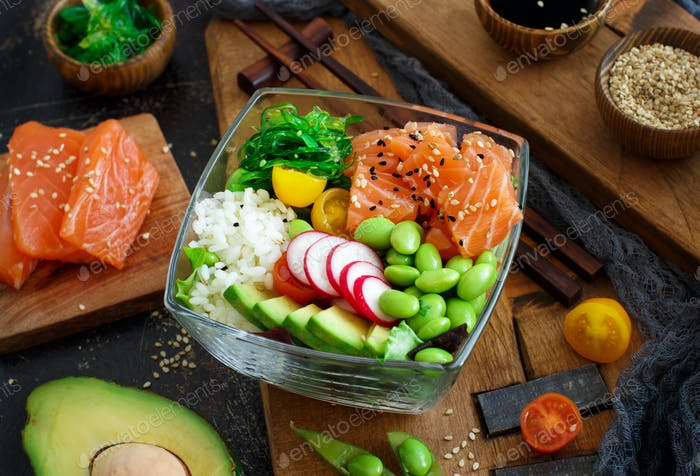 Hawaiian salmon poke salad