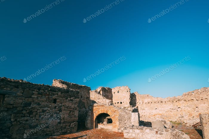 Pompeii, Italy. Remains Of Ancient Building In Sunny Day