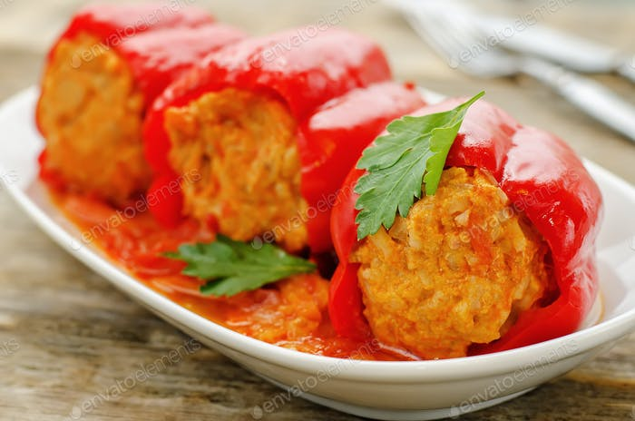 pepper stuffed with meat and rice
