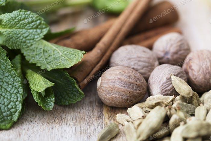Cardamon, Nutmeg, Mint and Cinnamon