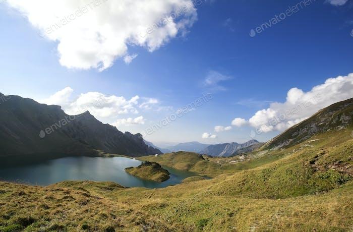 schöner Alpensee