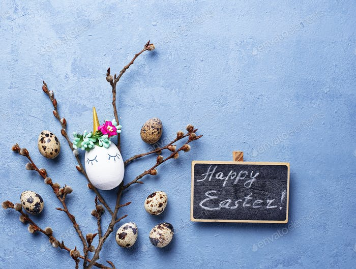 Easter background with quail eggs