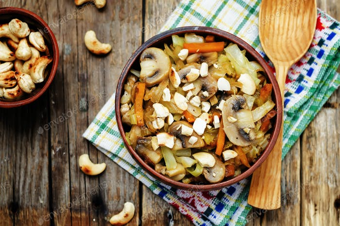 Cashew cabbage with mushrooms