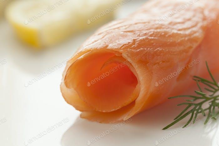 Geräucherter Lachs als Snack