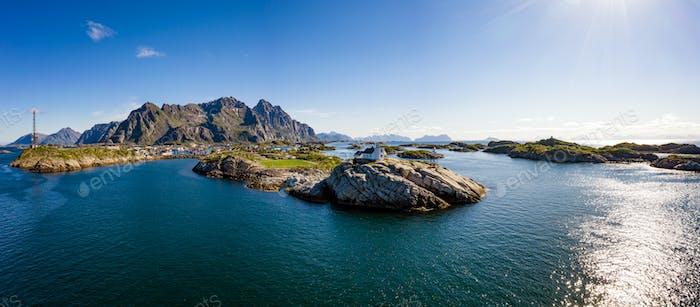 Henningsvaer Lofoten ist ein Archipel in der Grafschaft Nordland