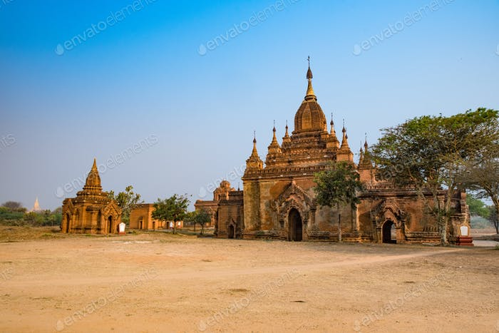 Alte Pagoden in Bagan