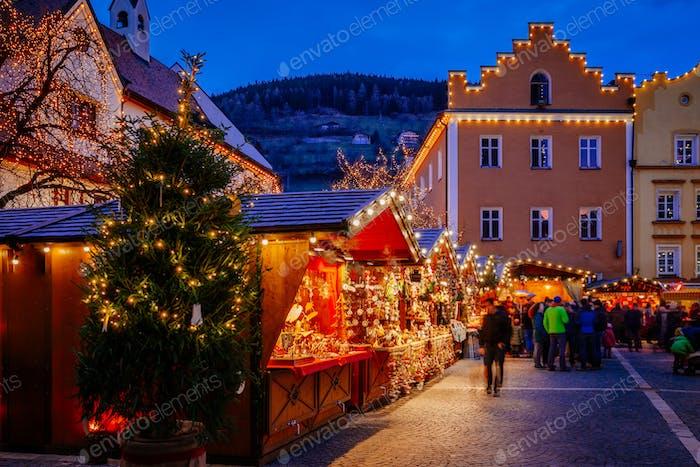 Mercadillo de Navidad, Vipiteno, Bolzano, Trentino-Alto Adigio, Italia