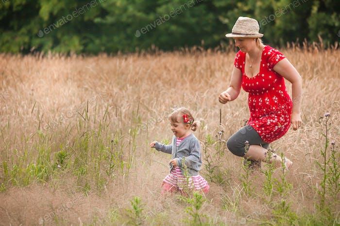 Diversión en familia al aire libre