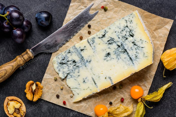 Blue Mold Gorgonzola Cheese with Fruits