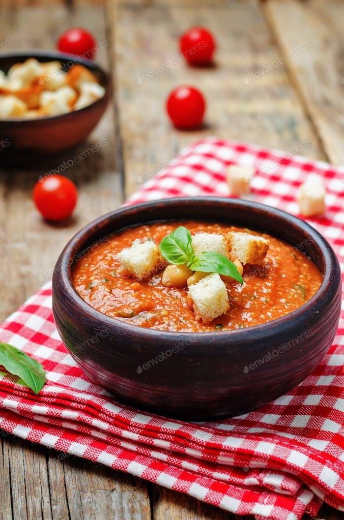 Geröstete Tomaten und Knoblauch Basilikum Kichererbsensuppe