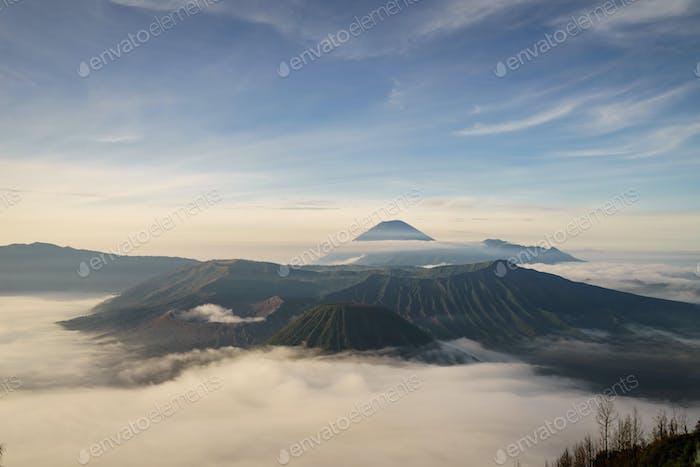 Volcán del Monte Bromo (Gunung Bromo) en Java Oriental Indonesia