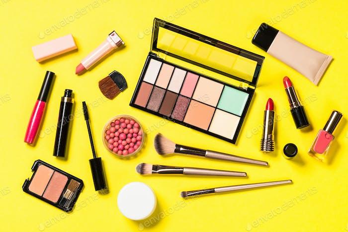 Set von Make-up professionelle kosmetische Draufsicht