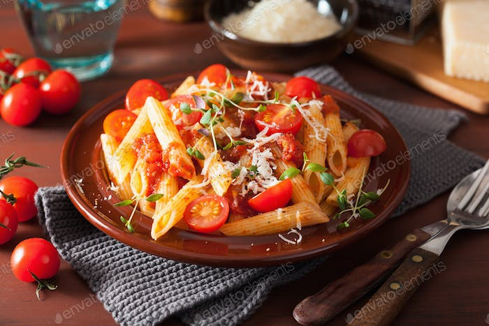 veggie penne pasta with tomatoes parmesan thyme