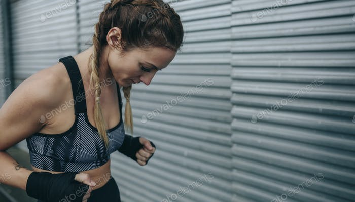Sportswoman concentrated to train