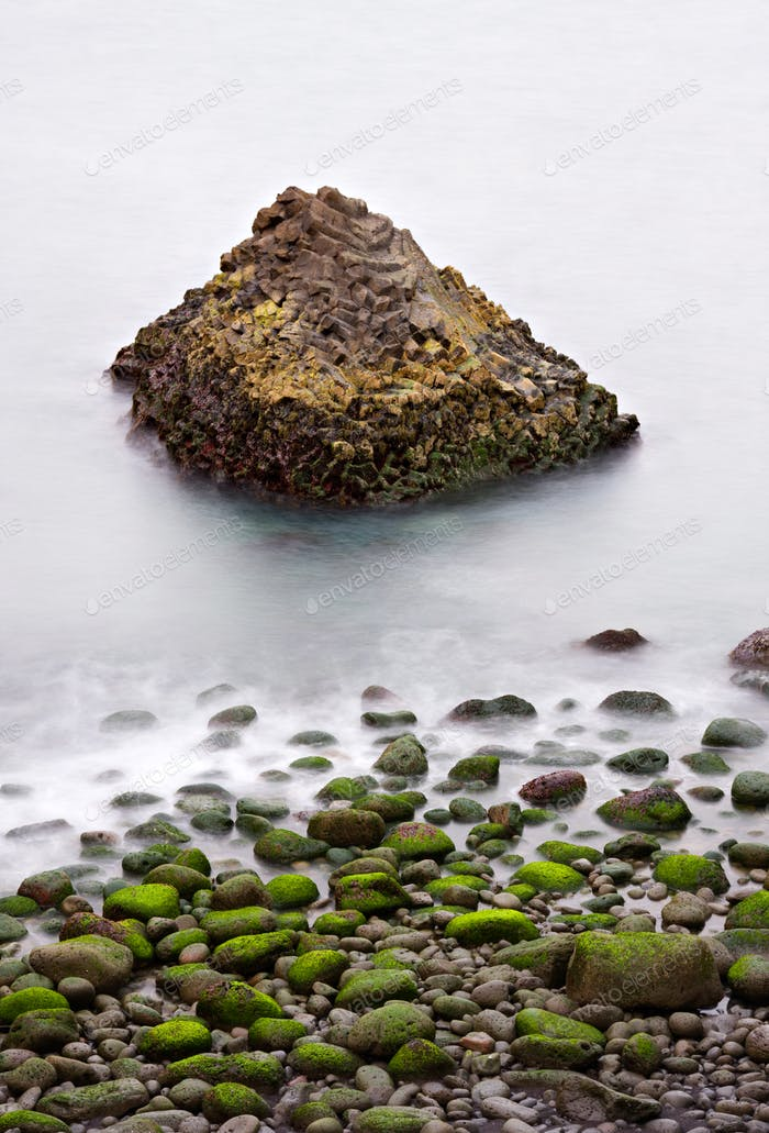 Green Rocks And Basalt Coast, Islandia